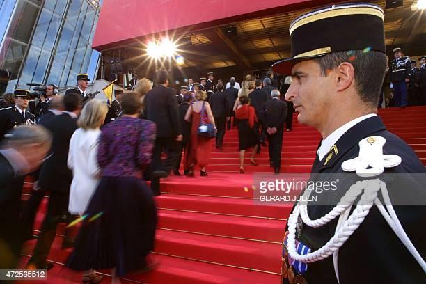 Police officiers stock photos and pictures getty images - La chambre des officiers livre ...