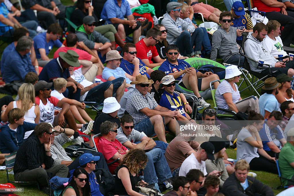 Spectators look on during the HRV T20 Final match between the Otago Volts and the Wellington Firebirds at University Oval on January 20, 2013 in Dunedin, New Zealand.