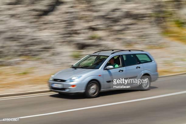 Beschleunigung Ford Focus auf Montenegro interurban road