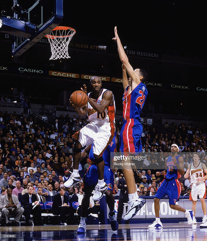 Detroit Pistons v Golden State Warriors s and