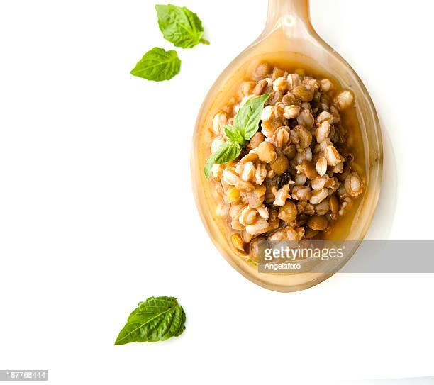 Dinkel und Lentis Suppe