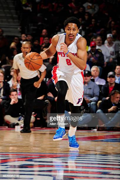 Spencer Dinwiddie of the Detroit Pistons drives to the basket against the Chicago Bulls during the game on February 20 2015 at The Palace of Auburn...