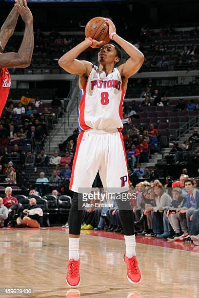 Spencer Dinwiddie of the Detroit Pistons shoots against the Los Angeles Clippers on November 26 2014 at The Palace of Auburn Hills in Auburn Hills...