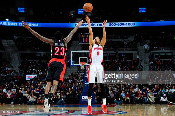 Spencer Dinwiddie of the Detroit Pistons shoots against the Toronto Raptors during the game on March 24 2015 at The Palace of Auburn Hills in Auburn...