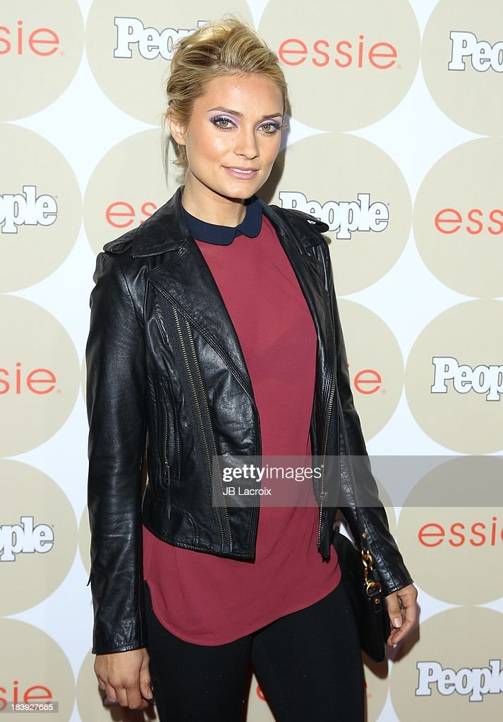 <a gi-track='captionPersonalityLinkClicked' href=/galleries/search?phrase=Spencer+Grammer&family=editorial&specificpeople=3214329 ng-click='$event.stopPropagation()'>Spencer Grammer</a> attends the People's One To Watch Event held at Hinoki & The Bird on October 9, 2013 in Los Angeles, California.