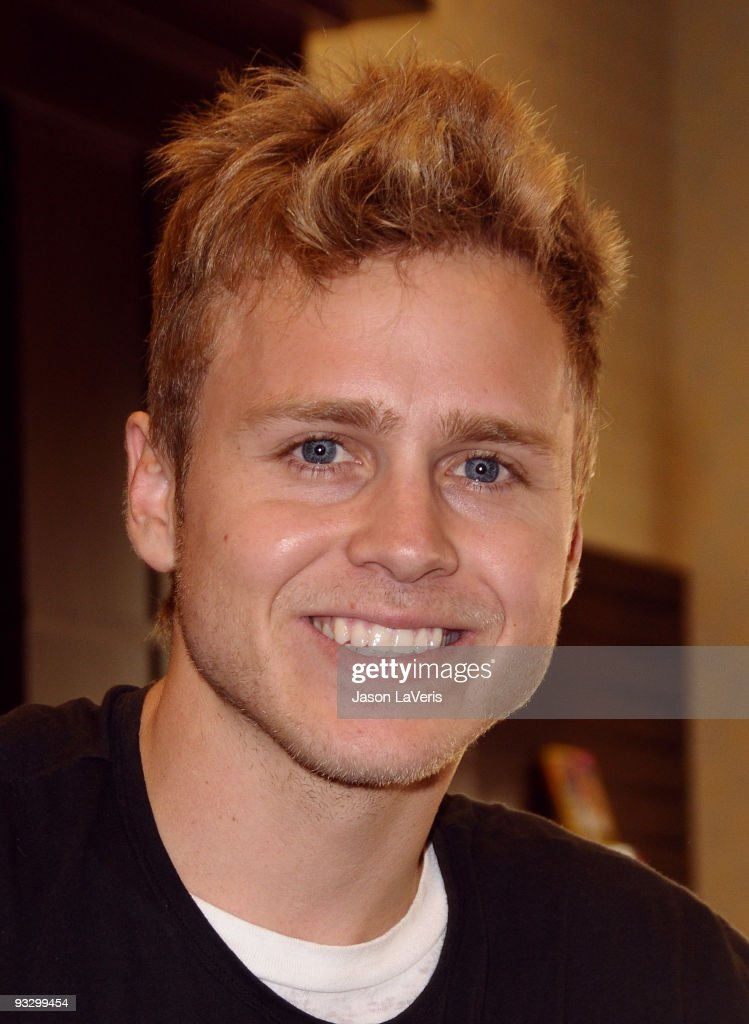 "Spencer Pratt Sign Copies Of ""How To Be Famous"""
