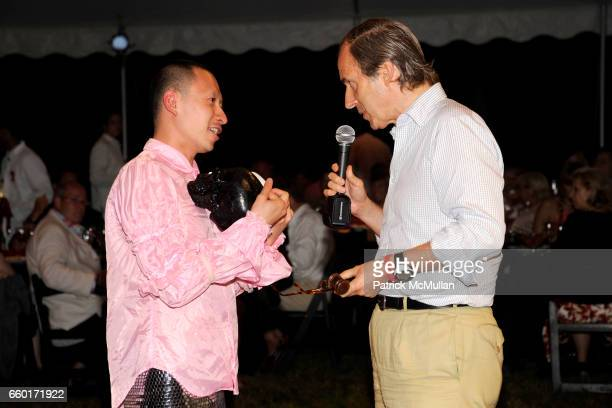 Spencer Tunick and Kristin Bowler attend 'Inferno' The 16th Annual WATERMILL CENTER Summer Benefit at The Watermill Center on July 25 2009 in...