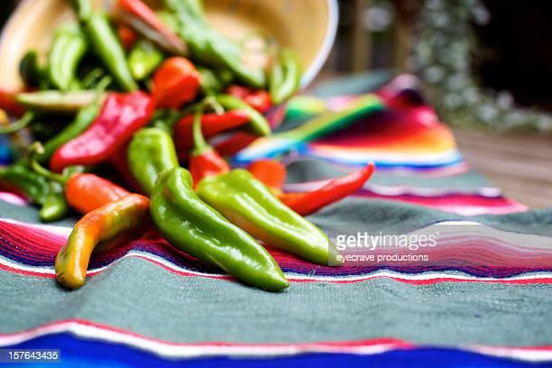Feurige mexikanische lebhaften chili peppers