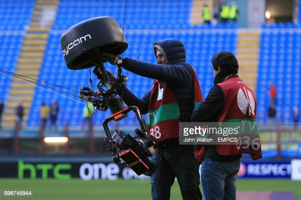 Spider cam operators before the match
