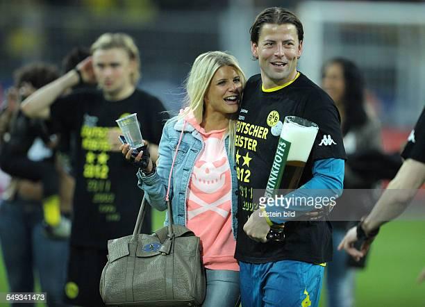 32 Spieltag Saison 2011/2012 Fussball Saison 20112012 1 Bundesliga 32 Spieltag Borussia Dortmund Borussia Mönchengladbach 20 Torhüter Roman...