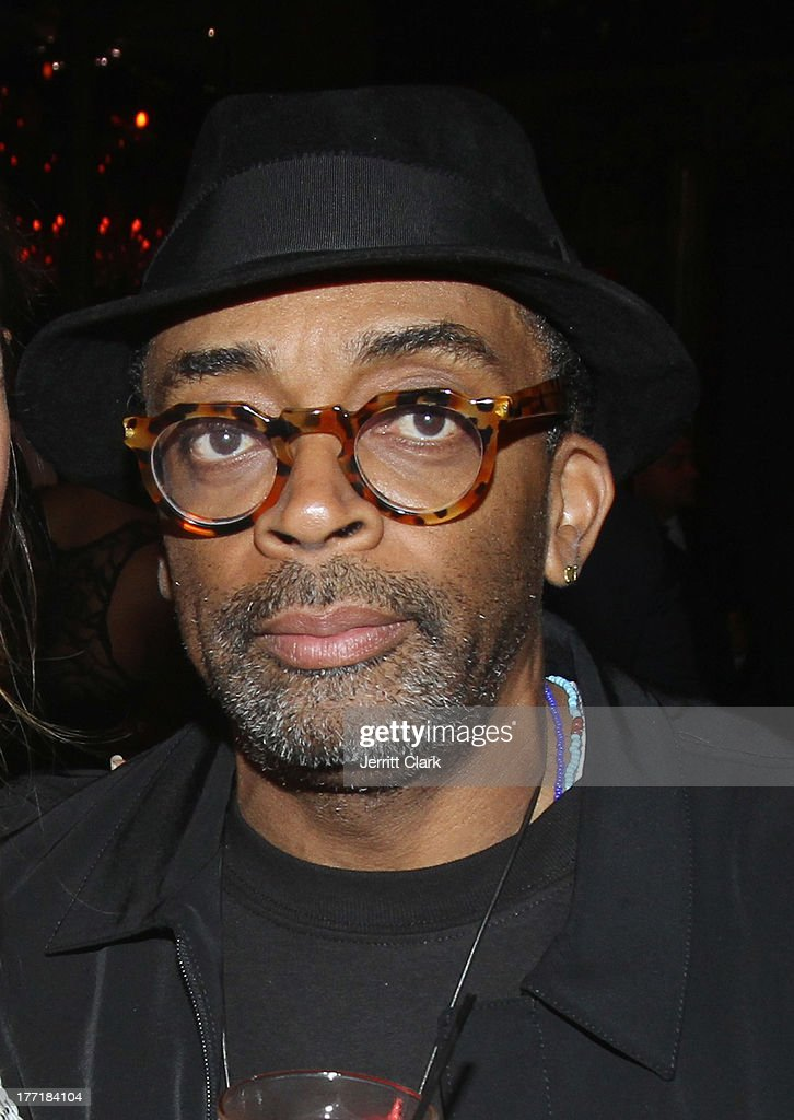 <a gi-track='captionPersonalityLinkClicked' href=/galleries/search?phrase=Spike+Lee&family=editorial&specificpeople=156419 ng-click='$event.stopPropagation()'>Spike Lee</a> attends the 10th Annual Hennessy Privelage Awards honoring Carmelo Anthony at The Griffin on August 21, 2013 in New York City.