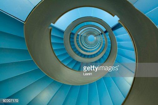 Escada em Caracol com facetas azul Infinito