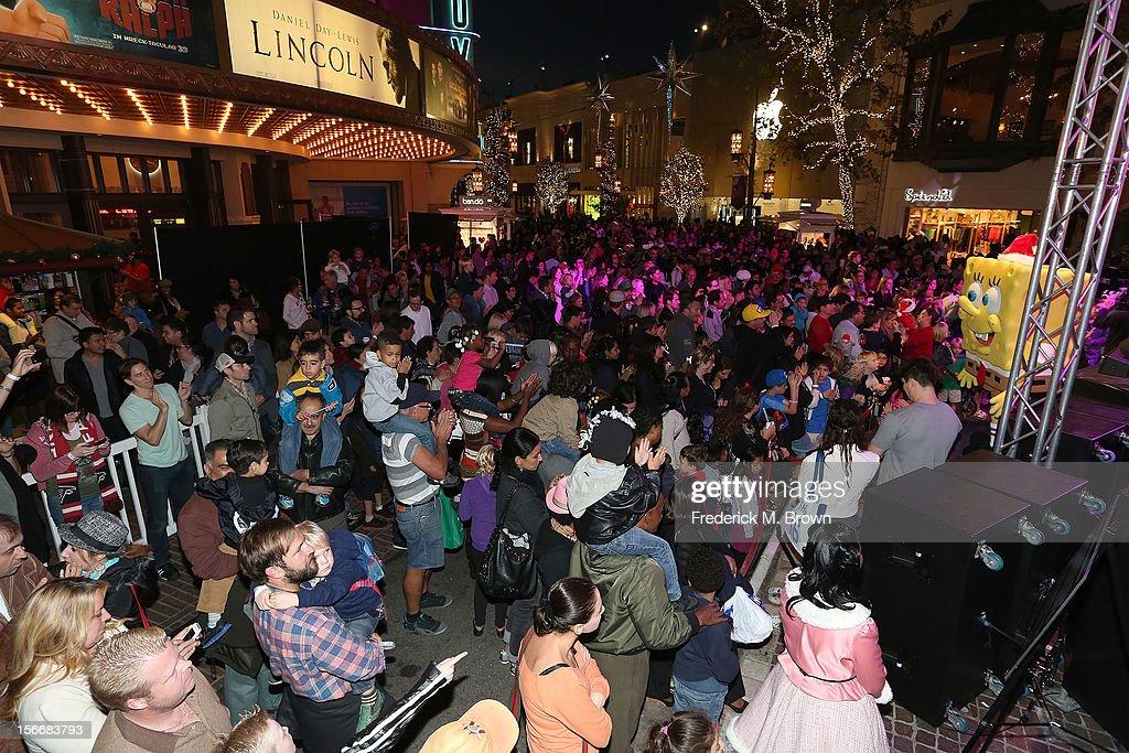 Spongebob character performs during Nickelodeon's Spongebob Holiday Extravapants At The Grove on November 18, 2012 in Los Angeles, California.