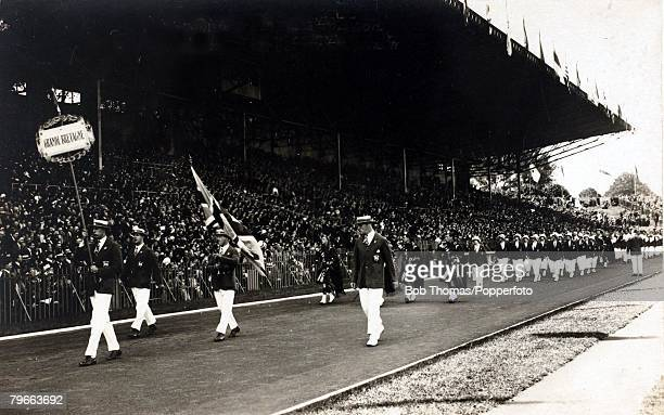 Sport 1924 Olympic Games Paris The Great Britain team march past the Grandstand at the Opening Ceremony