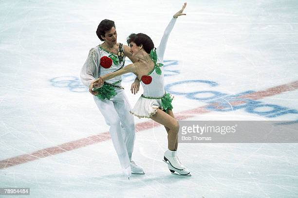 Sport 1988 Winter Olympic Games Calgary Canada Ice Skating Ice Dance Marina Klimova and Sergei Ponomarenko USSR the Silver medal winners