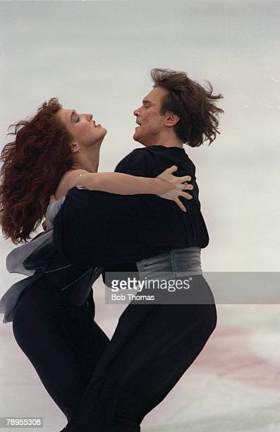 Sport 1992 Winter Olympic Games Albertville France Ice Skating Ice Dance Maria Klimova and Sergei Ponomarenko Unified Team the Gold medal winners
