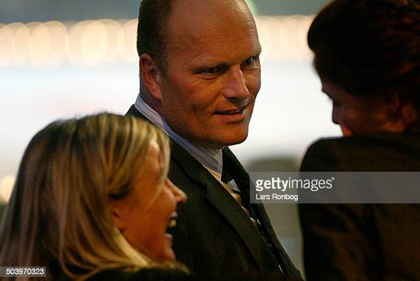 Sport 2002 Herning Messecenter Team CSC manager Bjarne Riis talking to Rolf Soerensens wife Susanne and Anne Dorthe Tanderup