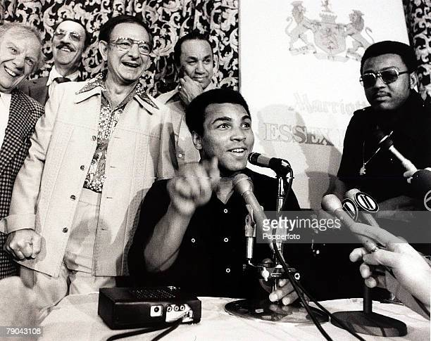 Sport Boxing 28th September 1976 Heavyweight Championship of the World Yankee Stadium New York USA America's Muhammad Ali is pictured at the post...