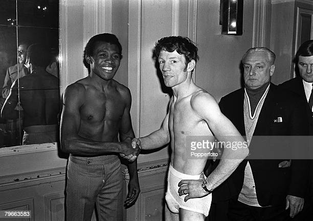 Sport Boxing London England 15th February 1972 European Featherweight champion Jose Legra of Spain greets Scottish Challenger Evan Armstrong prior to...