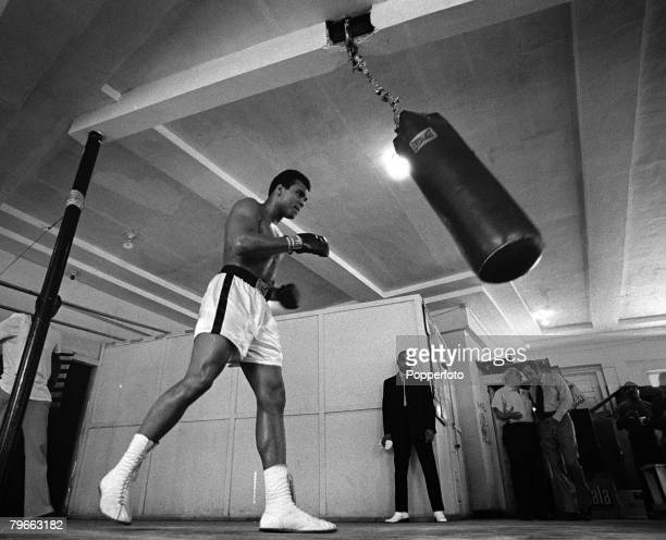 Sport Boxing Miami USA 6th March 1971 Former American heavyweight champion of the world Muhammad Ali pictured training for his fight with champion...