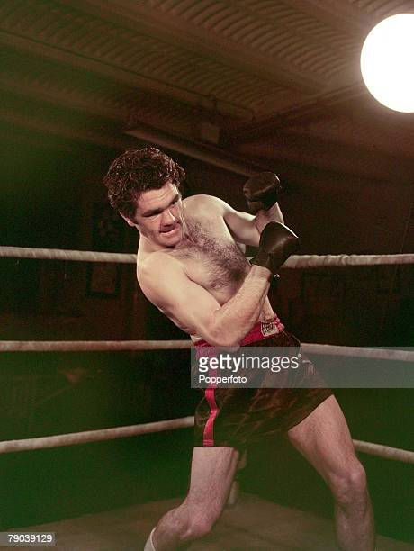 1949 British LightHeavyweight Champion of the World Freddie Mills pictured training