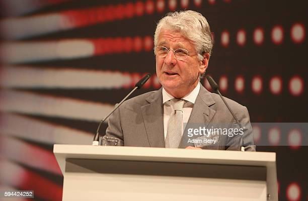 Sport commentator Marcel Reif attends a Bundesliga gala award evening on August 23 2016 in Berlin Germany Former soccer player Uwe Seeler former...