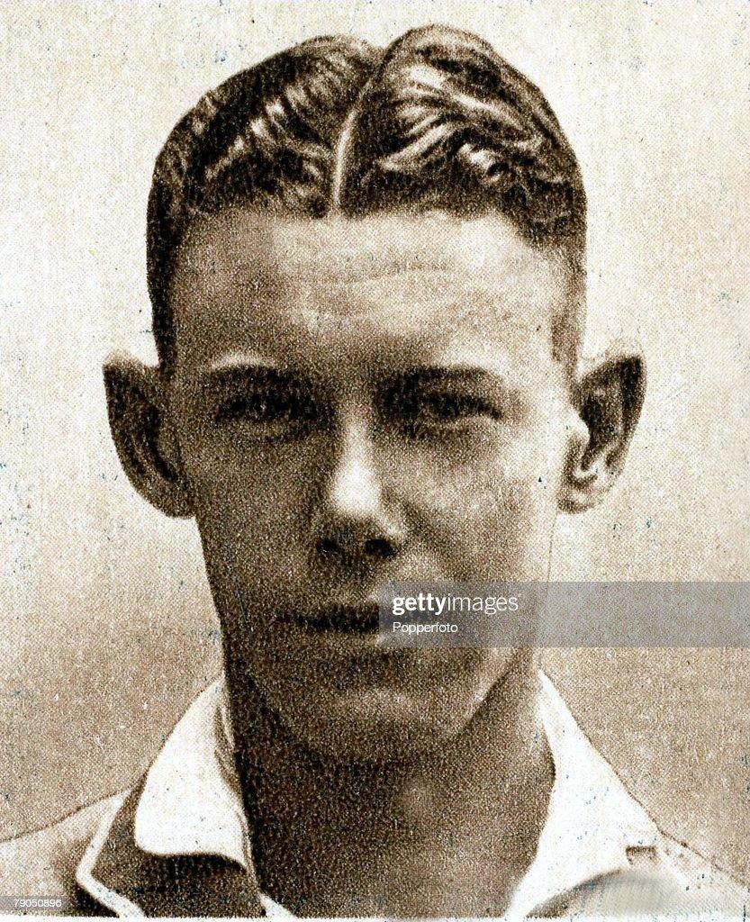 Sport, Cricket, Cigarette card, 1934 Australian Test team, <b>William Brown</b>, ... - sport-cricket-cigarette-card-1934-australian-test-team-william-brown-picture-id79050896