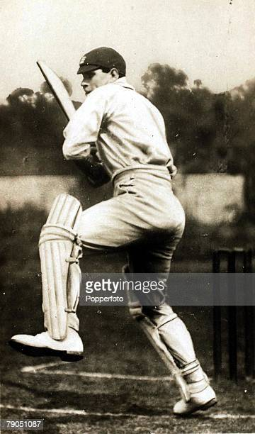 Sport Cricket Collectors card Circa 1920 Patsy Hendren Middlesex and England