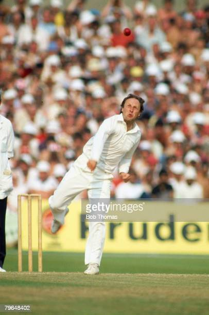 1983 Old Trafford World Cup SemiFinal India beat England by 6 wickets Vic Marks England Vic Marks an off break bowler and right hand middle order...