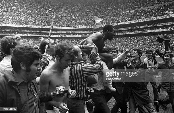 Sport Football 1970 World Cup Final Mexico City Mexico 21st June 1970 Brazil 4 v Italy 1 Brazil's Pele is chaired off the Azteca Stadium pitch after...