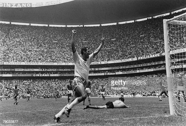 Sport Football 1970 World Cup Finals Mexico City World Cup Final 21st June 1970 Brazil 4 v Italy 1 Brazil captain Carlos Alberto celebrates after he...