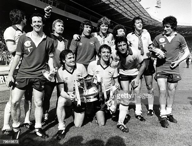 Sport Football 1979 FA Cup Final at Wembley Arsenal 3 v Manchester United 2 Arsenal winning team pictured after the game with the trophy Arsenal back...