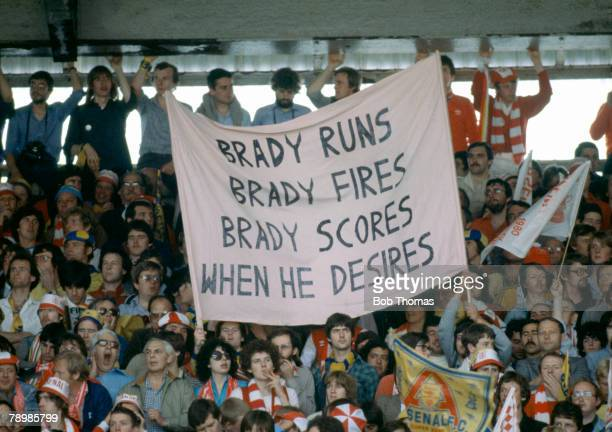 Sport Football 1980 FA Cup Final Wembley 10th May 1980 Arsenal 0 v West Ham United 1 Arsenal fans with large banner dedicated to Liam Brady