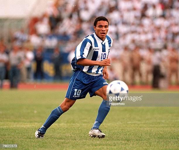Sport Football 2002 World Cup Qualifier San Pedro Sula 7th October 2001 CONCACAF Finals Honduras 0 v Trinidad Tobago 1 Julio Leon of Honduras