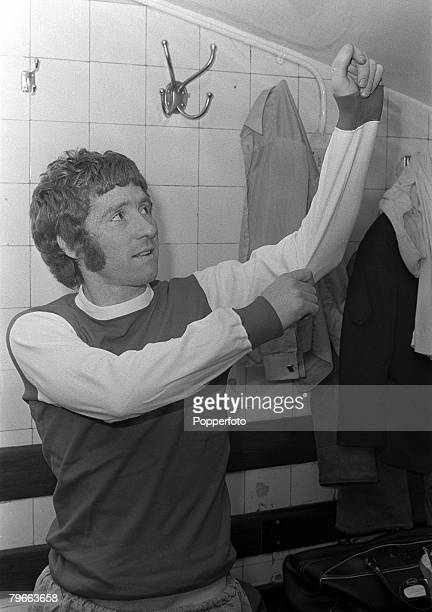Sport Football 24th December 1971 Arsenal's new signing from Everton Alan Ball tries on the club shirt in the dressing room at Highbury prior to his...