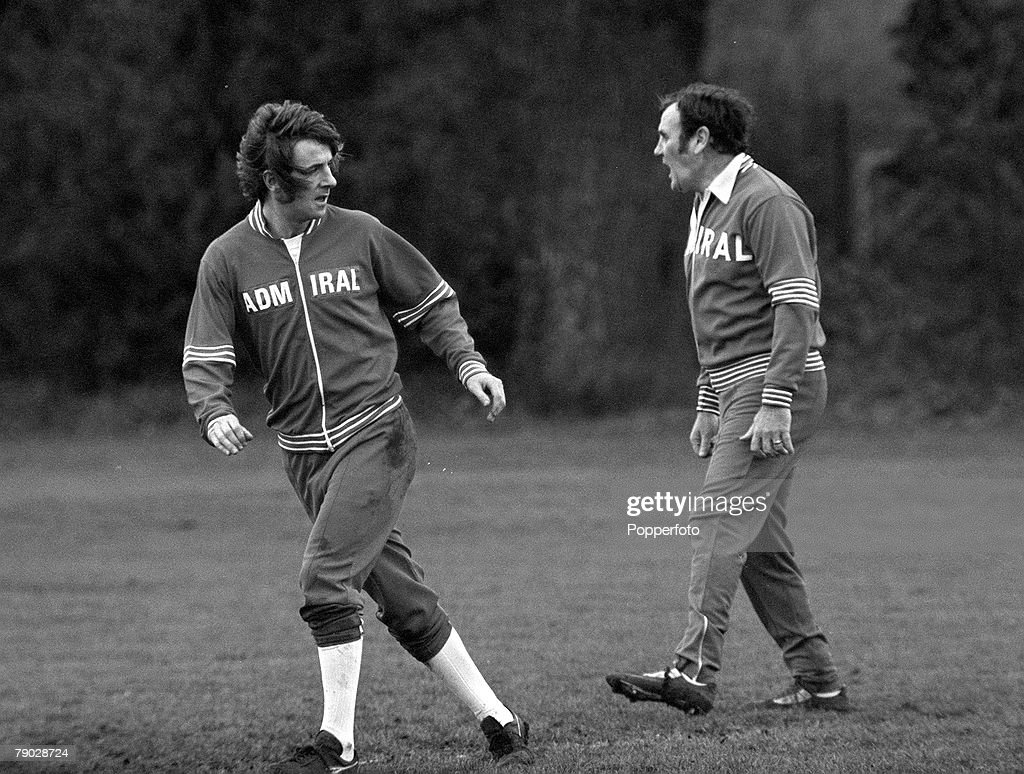 Sport, Football, 7th February 1977, England Team Training, Queens Park Rangers and England's Stan Bowles (left) is pictured with National team Manager Don Revie
