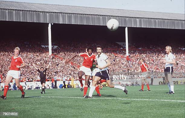 Sport Football Division One City Ground England Nottingham Forest v Tottenham Hotspur Forest's Viv Anderson clears from Tottenham's new striker...