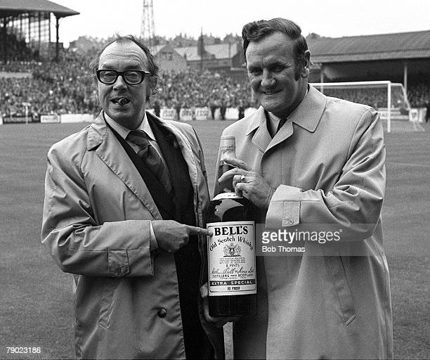 Sport Football England 22nd September 1973 Leeds United 0 v Manchester United 0 Leeds Manager Don Revie receives the Bells Whiskey Manager of the...