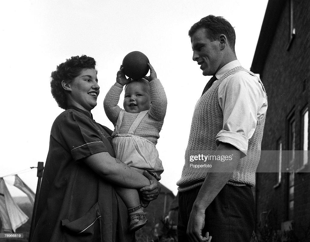 Sport Football England 1955 John Charles of Leeds United and
