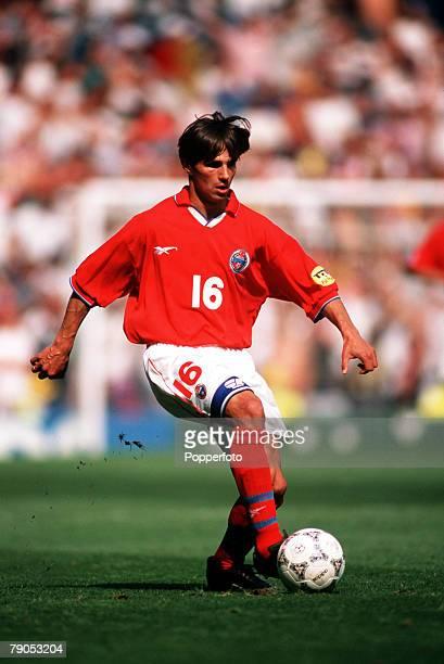 Sport Football European Championship 16thJune 1996 Russia 0 v Germany 3 Russia'sIgor Simutenkov in action