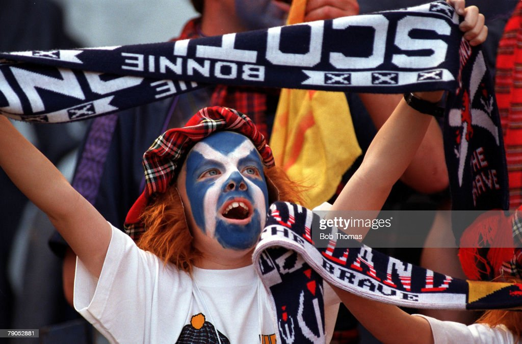 Sport, Football, European Championships, 15th, June 1996, (WEMBLEY), England 2 v 0 Scotland, Scotland fans pictured outside Wembley