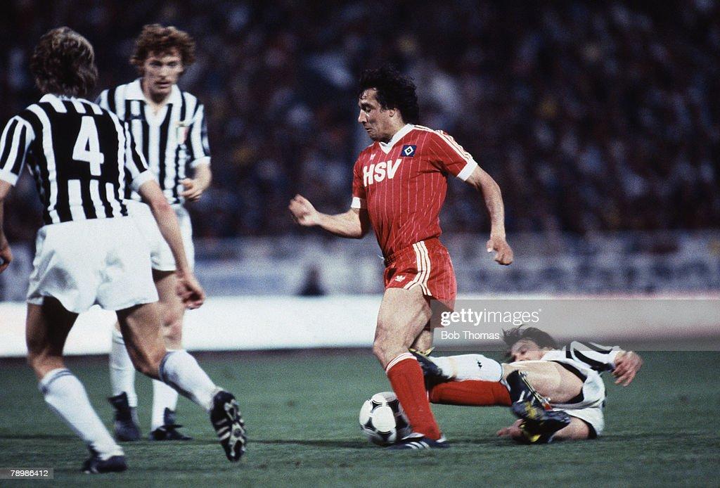 Sport, Football, European Cup Final, Athens, 25th May 1983, Hamburg 1 v Juventus 0, Hamburg's Felix Magath