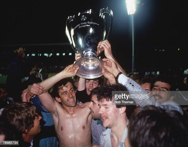 Sport Football European Cup Final Brussels 29th May 1985 Liverpool 0 v Juventus 1 Michel Platini of Juventus holds aloft the trophy