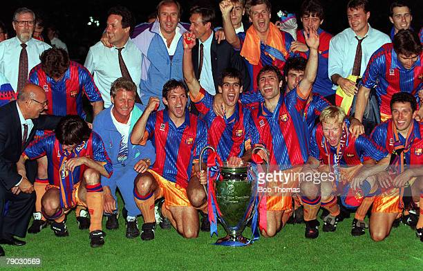 Sport Football European Cup Final Wembley London England 20th May 1992 Barcelona 1 v Sampdoria 0 The victorious Barcelona team celebrate with the...