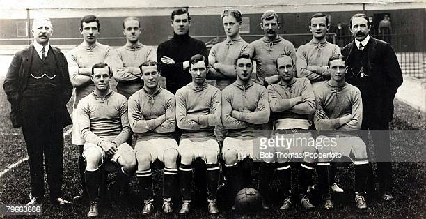Sport Football Everton FC 19091910 Back row LR WCuff Secretary VHarris RBalmer WScott JMaconachie JTaylor HMakepeace JElliott trainer Front row LR...