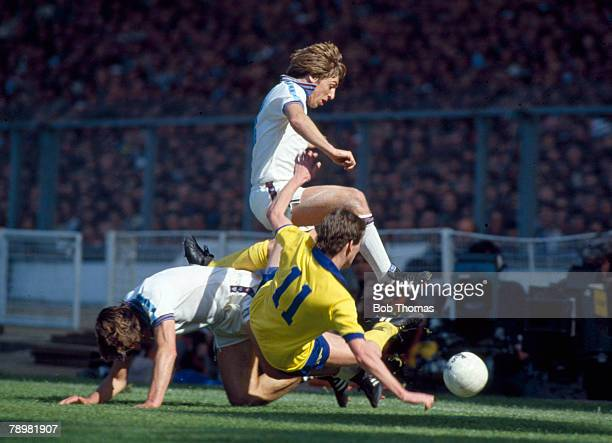 Sport Football FA Cup Final at Wembley pic 10th May 1980 West Ham United 1 v Arsenal 0 West Ham United's Geoff Pike jumps above teammate Billy Bonds...