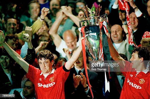 Sport Football FA Premier League 3rd May 1993 Manchester United 3 v Blackburn Rovers 1 Manchester United's Steve Bruce and Bryan Robson hold the...