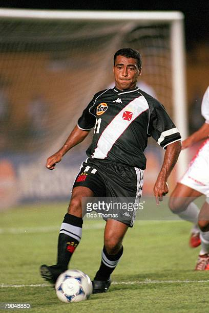 Sport Football FIFA Club World Championships Rio De Janeiro Brazil 11th January Vasco Da Gama 2 v Necaxa 1 Vasco Da Gama's Romario on the ball