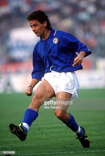 Sport Football Friendly International Bologna 14th October 1989 Italy 0 v Brazil 1 Italy's Roberto Baggio