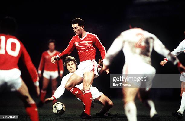 Sport Football Friendly International Swansea 18th February 1987 Wales 0 v USSR 0 Mark Aizlewood of Wales avoids a challenge from USSR's Alexandr...